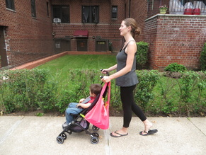 US Japan Fam reviews the world's smallest folded stroller - GB Pockit, with Sureshop bag by Hatch Things