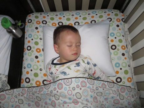 US-Japan Fam reviews the Calla Toddler Pillow